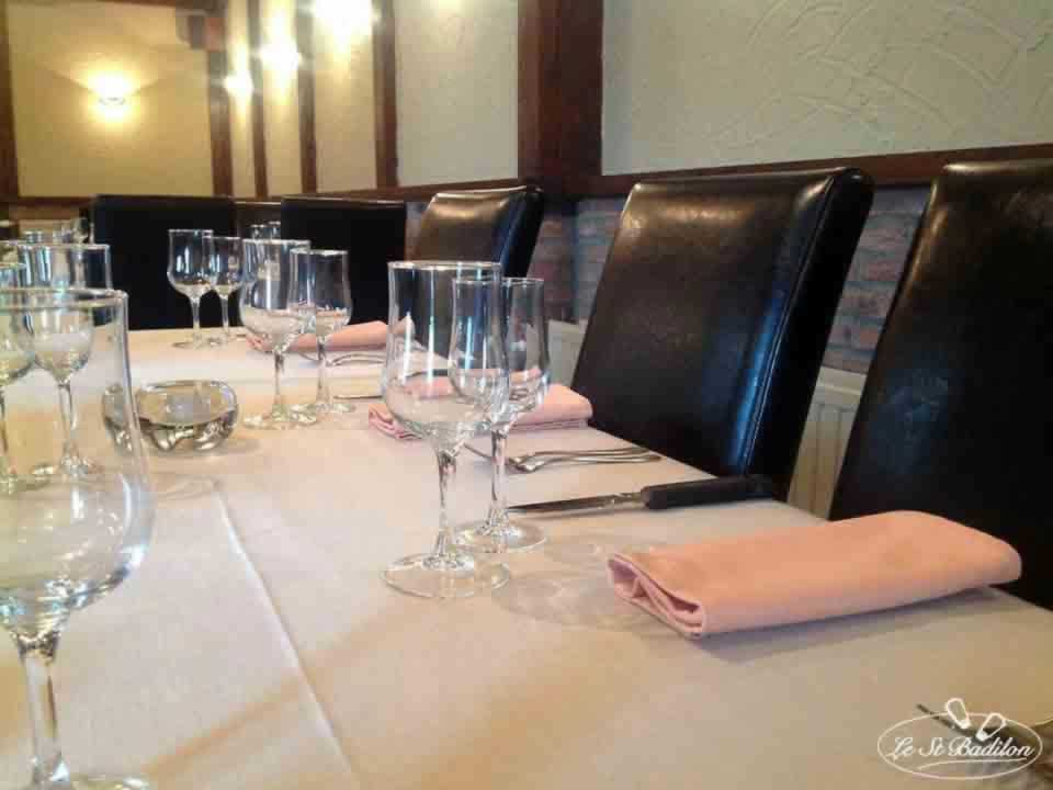 Table du restaurant Le Saint Badilon